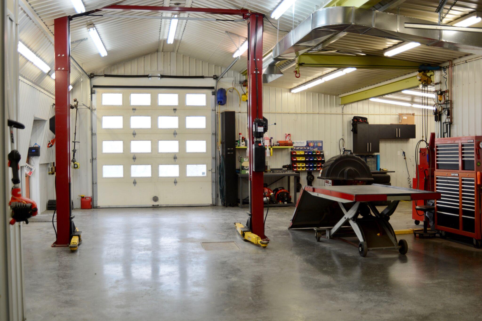 Réparation de petits moteurs dans notre atelier - Groupe Diamant vert
